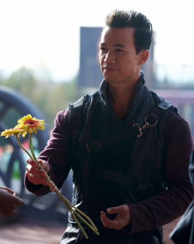 Jordan and a Flower - The 100 Season 6 Episode 5