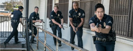 On the Move - SWAT Season 1 Episode 1
