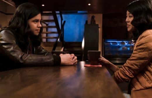 Cisco Falls In Love - The Flash Season 5 Episode 14