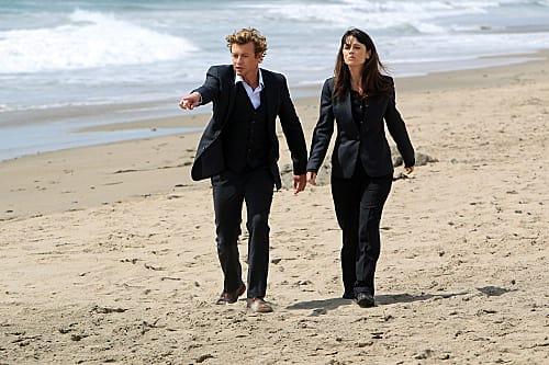 Jane & Lisbon Investigate a Surfer's Death
