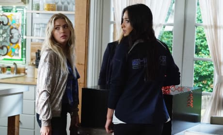 What's In The Damn Box? - Pretty Little Liars