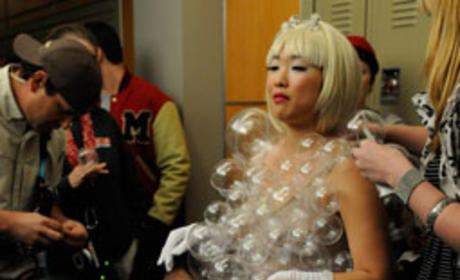 Behind Glee Scenes