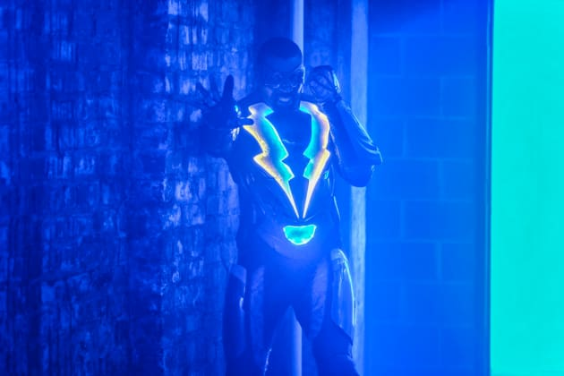 Interference? - Black Lightning Season 1 Episode 7