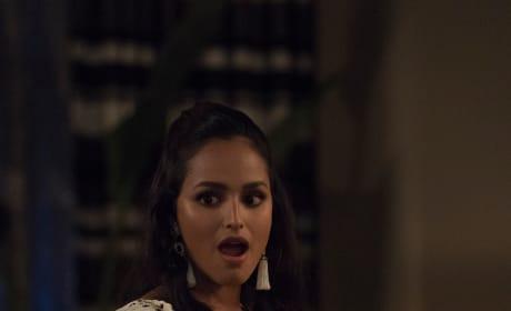 Carolina sees something she likes - Grand Hotel Season 1 Episode 2