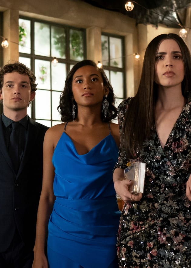 Act Normal - Tall - PLL: The Perfectionists Season 1 Episode 9