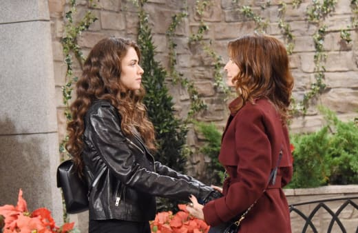 Ciara and Hope Talk - Days of Our Lives