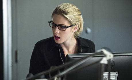Searching for Clues - Arrow Season 4 Episode 6