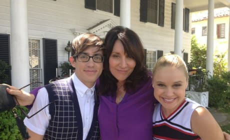 Katey Sagal on Glee Set