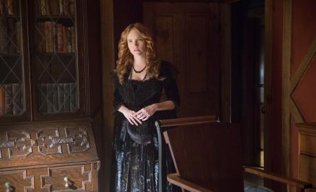 Anne Hale Worried - Salem Season 3 Episode 2