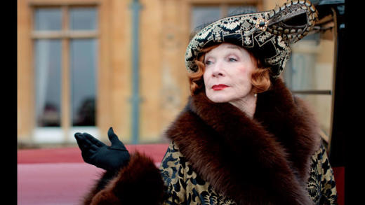 Shirley MacLaine as Martha Levinson