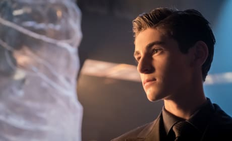 Baby Bruce No More - Gotham Season 4 Episode 1