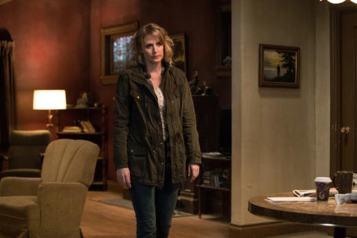 Mary arrives - Supernatural Season 12 Episode 21