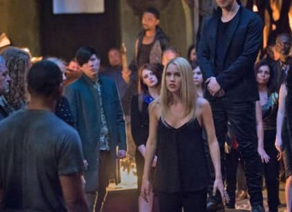 Watch The Originals Season 3 Episode 22 Online