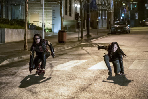 Vibe and Gypsy team up - The Flash Season 3 Episode 14