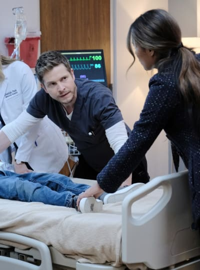 Conrad Saves Henry - Tall - The Resident Season 2 Episode 15