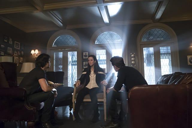 Come On, Mom! - The Vampire Diaries Season 7 Episode 7
