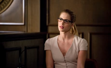 Felicity Takes the Stand - Arrow Season 6 Episode 21