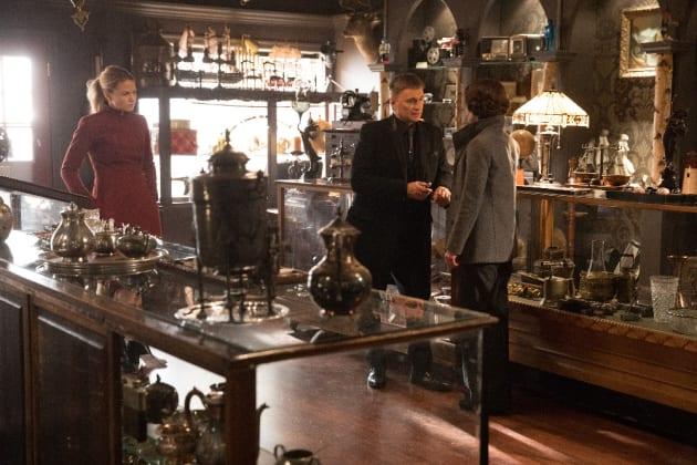 Emma Observes  - Once Upon a Time Season 6 Episode 19