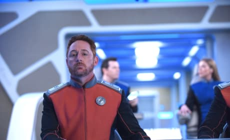 Malloy at the Helm - The Orville Season 2 Episode 4