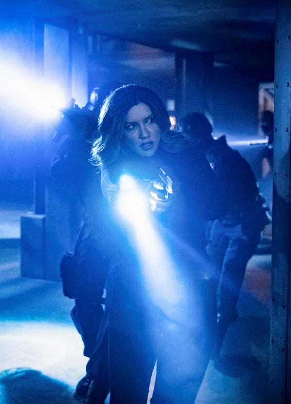 Dinah Prowls - Arrow Season 7 Episode 11
