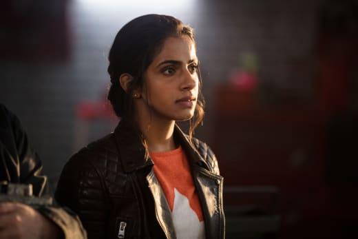 Yasmin Khan, Yaz with his friends - Doctor Who Season 11 Episode 1