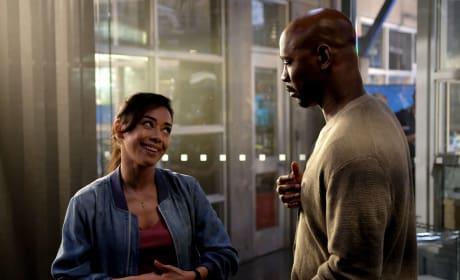 Flirty Ella - Lucifer Season 3 Episode 1