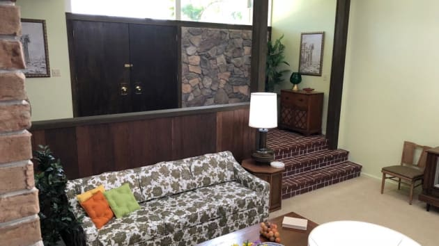 Valley Auto World >> A Very Brady Renovation on HGTV Will Blast to the Past for ...