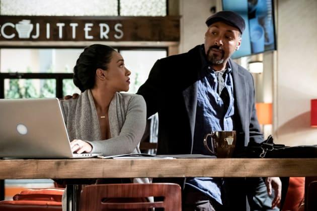Iris and Joe Investigate - The Flash Season 5 Episode 15