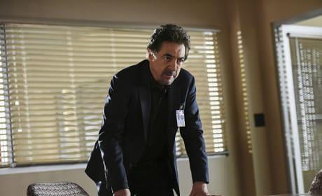 Rossi Leans In - Criminal Minds Season 12 Episode 1