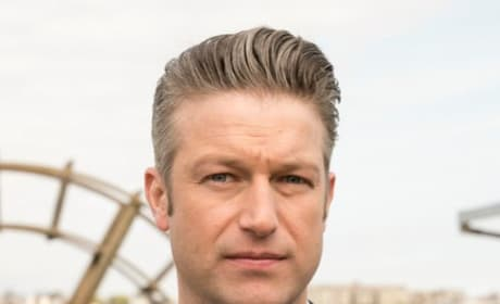 Carisi on the Pier - Law & Order: SVU Season 20 Episode 24