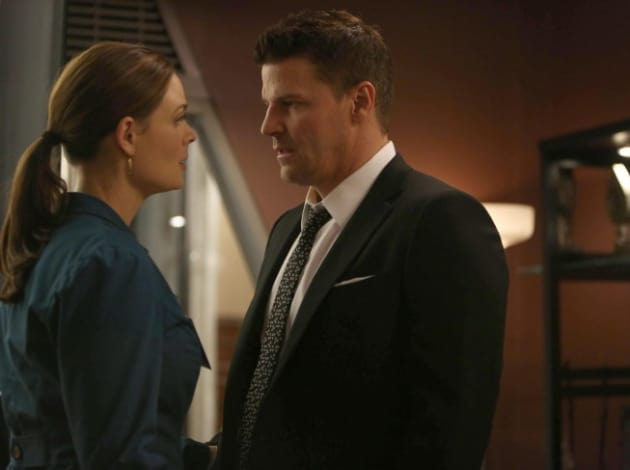 """Bones Producer Previews Season 8 Finale, Pelant's """"New Game"""" and Tears to Come"""