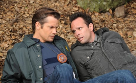 Raylan and Boyd Relax