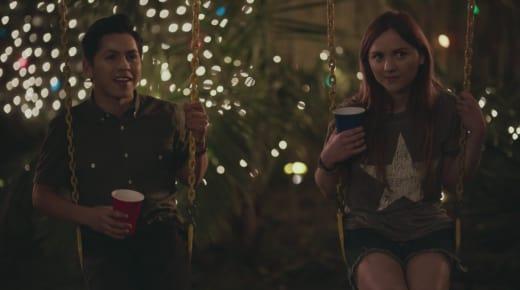 Laura Makes A Friend - Casual Season 3 Episode 4