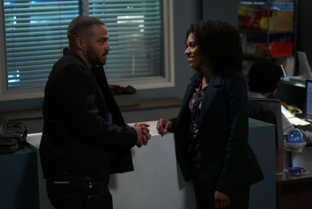 Kicking It - Grey's Anatomy Season 14 Episode 9