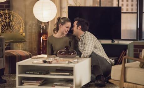 Happy Couple - Supergirl Season 2 Episode 14