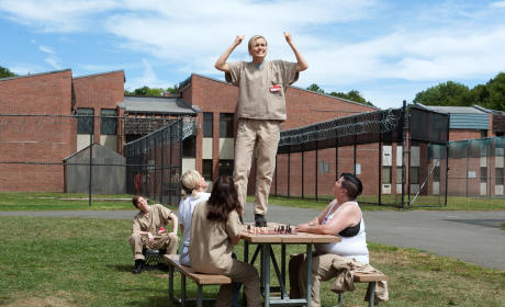 Piper Steps Up - Orange is the New Black