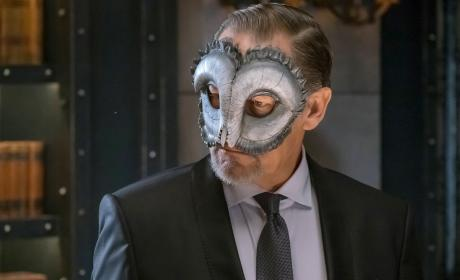 Frank Dons His Mask - Gotham Season 3 Episode 16