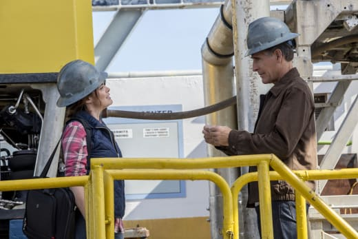 Tapping In - NCIS: New Orleans Season 3 Episode 12