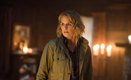 A glow on Mary - Supernatural Season 12 Episode 6