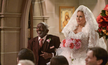 The Walk Down the Aisle - 2 Broke Girls