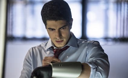 Arrow First Look: Ray Palmer in Full ATOM Suit!