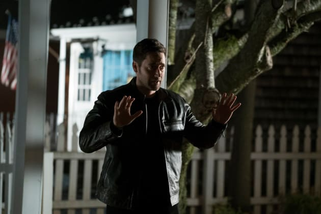 Busted - The Blacklist: Redemption Season 1 Episode 3