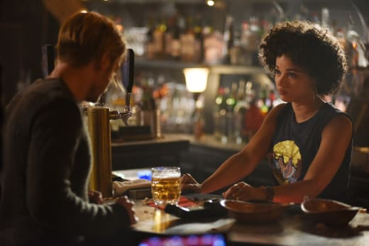 Meeting Maia - Shadowhunters Season 2 Episode 3