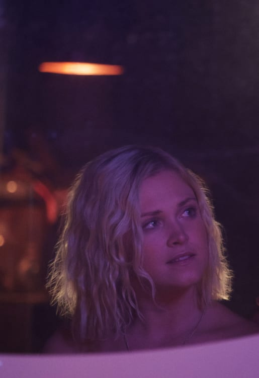 Clarke after the Party in Sanctum - The 100 Season 6 Episode 4