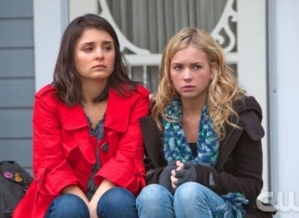 Watch Life Unexpected Season 1 Episode 12 Online