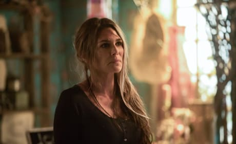 Abby Going Through The Motions - The 100 Season 5 Episode 7