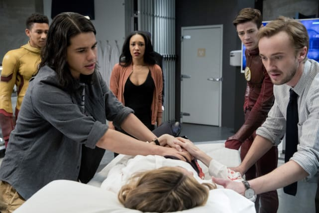 Gather the Team - The Flash Season 3 Episode 18