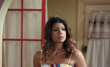 Xiomara at home - Jane the Virgin Season 1 Episode 11