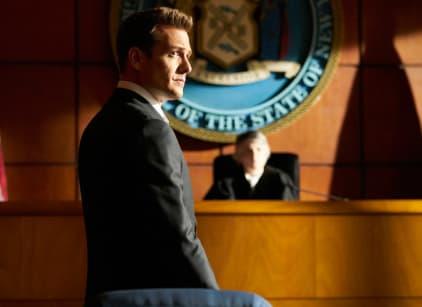 Watch Suits Season 7 Episode 4 Online