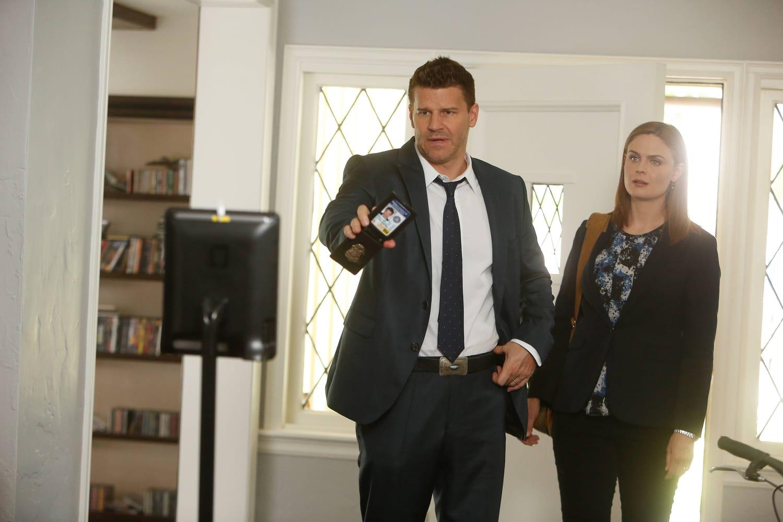 Bones Season 10 Episode 4 Review: The Geek in the Guck - TV